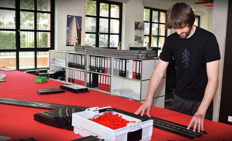 Mieten sie ihre individuelle slotcar bahn - Architekturburo frankfurt ...